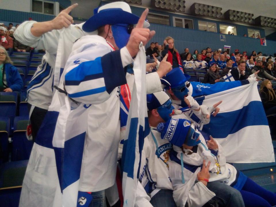 2015_IIHF_World_Championship_–_DEN_vs_FIN_(1) Luksata